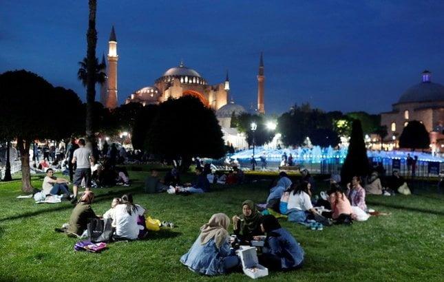 Как проходит священный месяц Рамадан в Турции