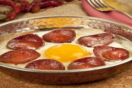 sucuklu-yumurta