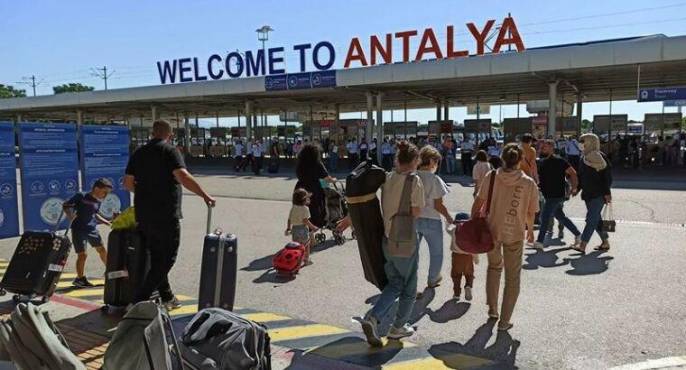 В Турции опровергли слухи о закрытии границ в этом туристическом сезоне